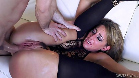 Anal sex penetration with shemelss skank Savannah Fox