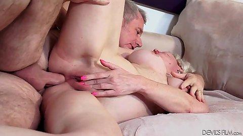 Sideaways anal fucking busty gilf Dalny Marga