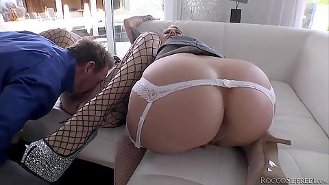 Round ass girls eating each other and joined in threesome Kleio Valentien and Cameron Canada