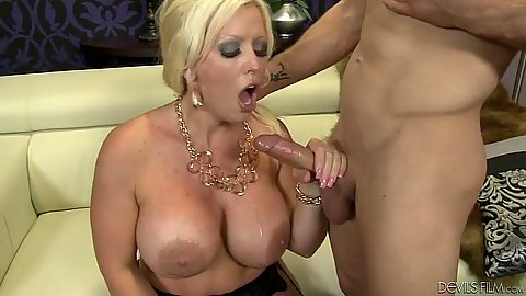 Sucking dick and fucking big ass milf Allura Jenson