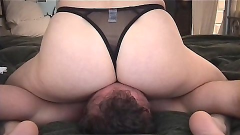 Intense face sitting whore in bras and panties femdom