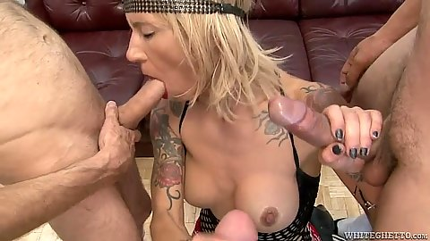 Milf with hardcore cock addiction sucking some shaft La Femme Nikita in group