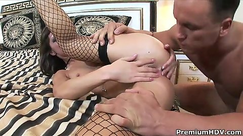 Girl gets pussy licked and anal penetration while on cock sitting Angelina Crow