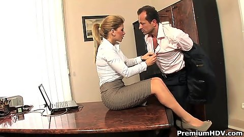 Office romance gone sexual with Brooklyn Lee