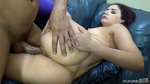 Sheena Ryder medium boobs girl getting black meat fuck