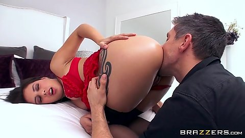 Spunky latina Jynx Maze loves vagina eating adn doggy style anal entry
