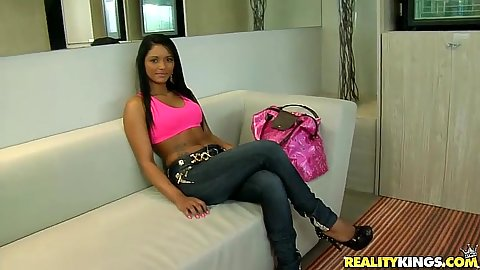 Attractive latina Tainah gets naked and takes off tight jeans
