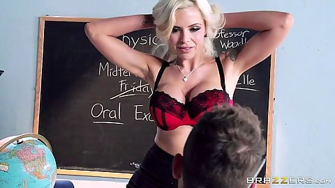 Seducing blonde bras and panties milf Nina Elle gets naked for student