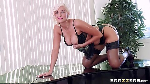 Softcore posing Jenna Ivory in her stockings