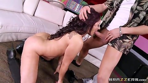 Stripper latina Sheena Ryder sucks customers cock off