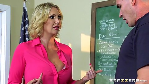 Big boobs milf Leigh Darby is a teacher with a lesson