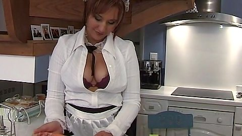 Shamelss housewife gf is a naughty bade with carrot fetish