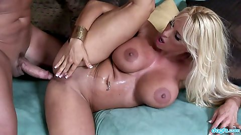 Large juggs milf Holly Halston pussy sex hardcore