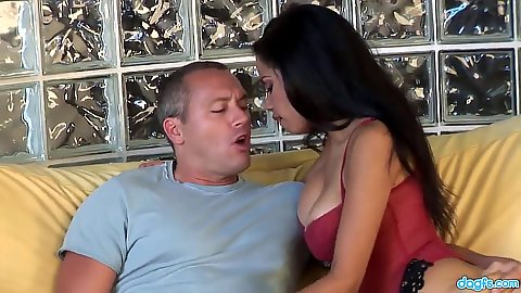 Brunette pornstar latina Havana Ginger makes out and blowjob while in stockings