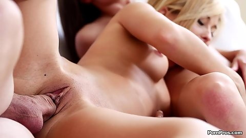 Pussy sex with gorgeous ladies Lola Reve and Anita Bellini
