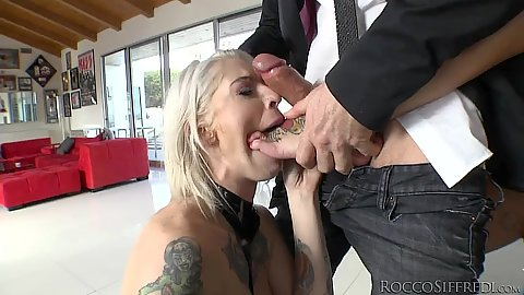 Trying to suck some major dick with tatto sluts Kleio Valentien and Bonnie Rotten