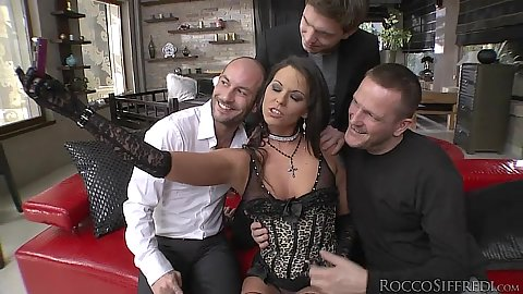 Lingerie Simony Diamond gts touched by men