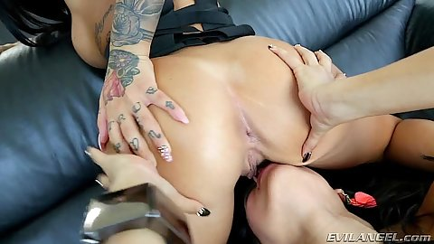 Latina pussy eating with luscious Luna Star and Alby Rydes