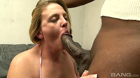 Milf Vanilla Skye doing a marvelous job of sucking this this black dick