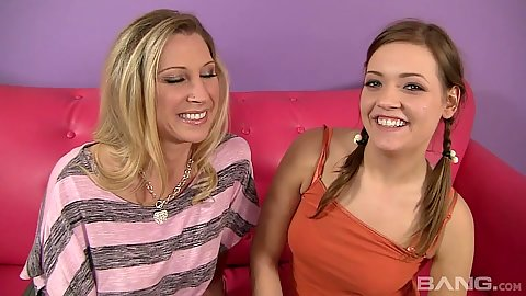 Daring teen and milf mom Ashlynn Leigh and Devon Lee