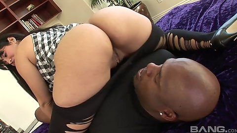 Round ass latina teases man with pulled down pants Isis Love