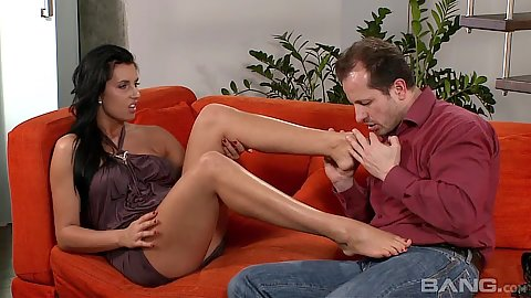 Raunchy Melissa Ria gets feet licked and does footjob