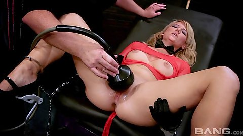 Girl gets various sex toys and machines applied to her cunt with Casey Cumz