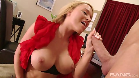 Delicious blowjob from Krissy Lynn