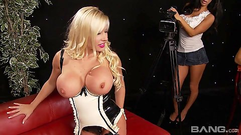 Naughty big boobs Michelle Thorne and Sammy Jayne do pov suck and fuck