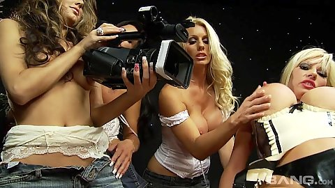 Michelle Thorne and Sammy Jayne milf sex and filming a video