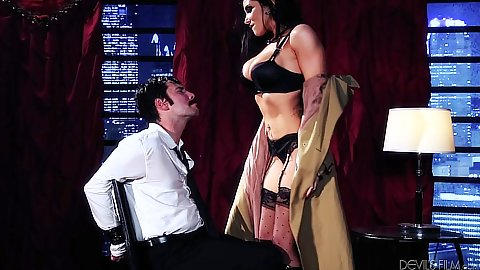 Pornstar Romi Rain has man tied to a chair