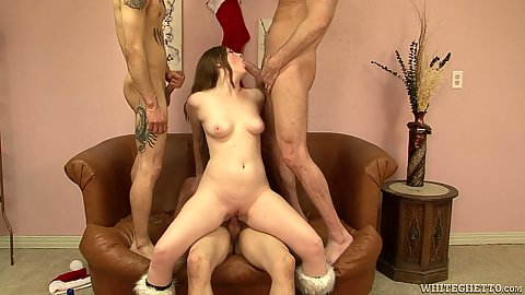 Inviting mom gets a gang bang of cocks in her Scarlett Fay