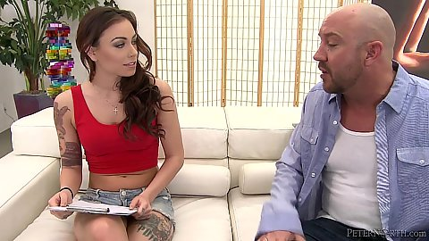 Captivating skinny babe Sienna Savage does a fully clothed blotjob