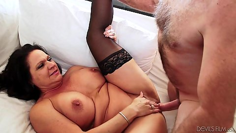 Spread legs mature fuck with cock sucking Leylani Wood