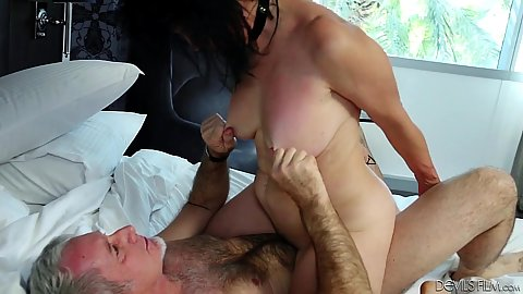 Cowgirl cock intercourse with busty mature granny Raven Flight that still got it