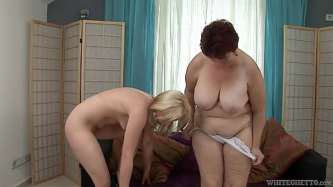 Mature grandma gets a cute young blonde to play with Gina B and Hanka