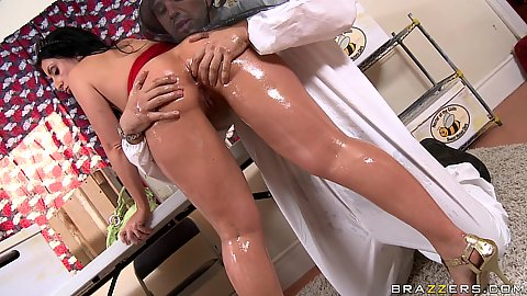 Big wet Luscious Lopez ass gets oiled up