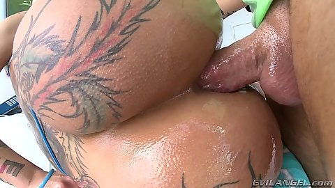 Anal oiled up close up view with Bella Bellz and stuff leaking out of her ass