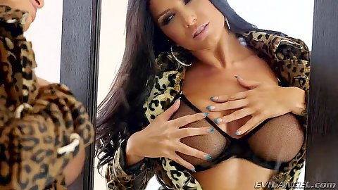 Big tits babe Romi Rain checking herself out in a mirror