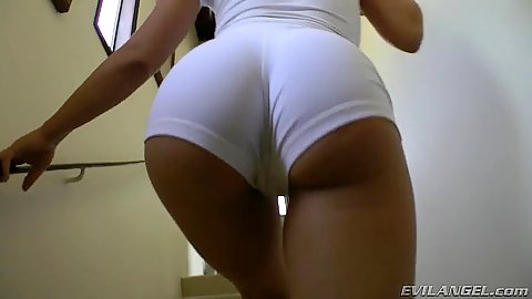 Amazing ass in hotpants in walking butts compilation with yoga pants