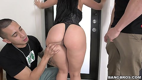Big booty milf in lingerie gets ass worship Valerie Kay