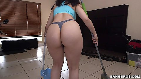 Lasty latina maid amateur Nadia Ali doing her cleaning chores