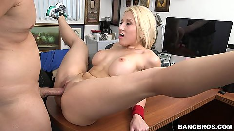 Casting audition fucking with open wide legs bimbo Cristi Ann