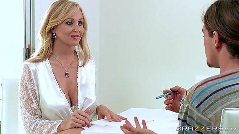 Blonde milf babe Julia Ann shows stepmom pussy