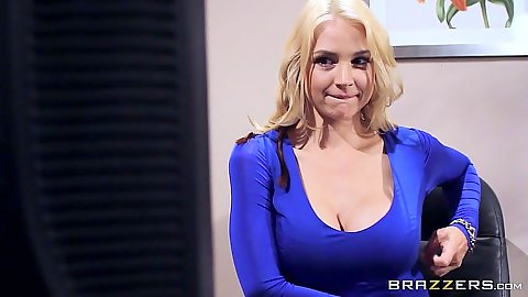 Sarah Vandella is a babe in the office that likes to show off her boobs in webcam