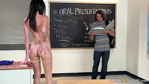 Skinny teacher Dava Foxx naked for the student to get laid