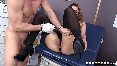 Fingering with latex gloves and nylon birthday fuck Yurizan Beltran