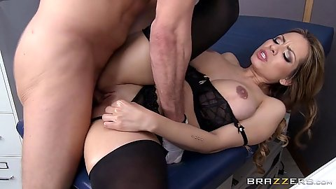Doctor screwing latina Yurizan Beltran with ripped nylons for her birthday bang