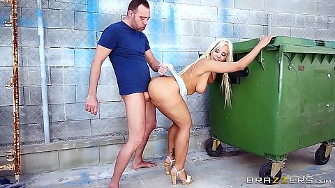 Pounding natural tits latina Blondie Fesser up against a dumpster outdoors