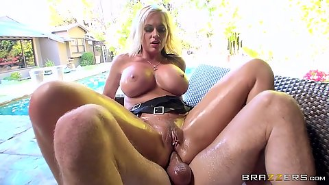 Notorious wife oil fuck from anal squirter Alena Croft